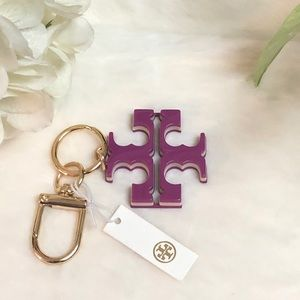 NWT TORY BURCH LOGO PURPLE RISEN KEY CHAIN FOB